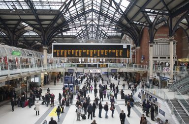 Q2_Liverpool Street station
