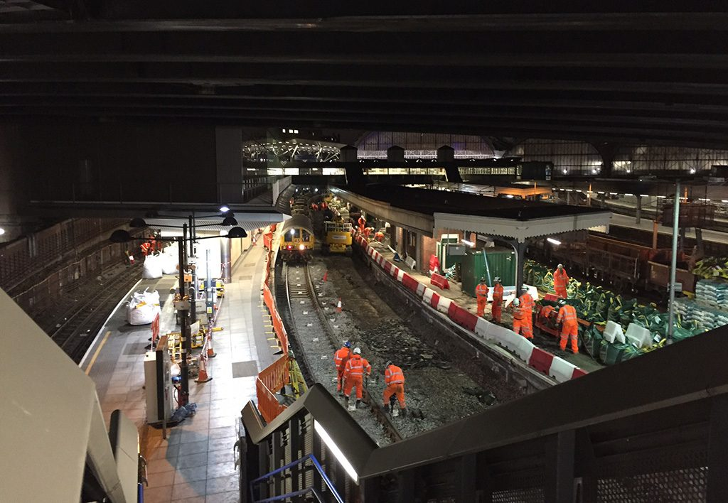 3. NR removing redundant track using LU Engineering Trains [online]